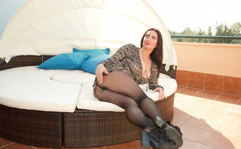 Miss Hybrid Outdoors Nylons Pantyhose