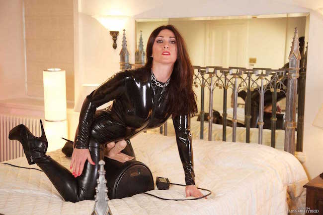 Miss Hybrid latex catsuit and double delight Sybian ride